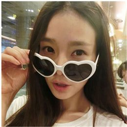 Wholesale Funny Candies - Women Retro Love Heart Shape Funny Sunglasses Summer Lolita Eyewear Party Mutil Candy Colors for Girls Gift