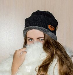 Wholesale Cheap New Fitted Caps - New Arrival Men's Beanies Caps Fashion Beanies Winter Caps Cheap Knitted Cups Beanies Caps Sports Wholesale Hats For Man And Woman