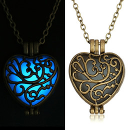 Wholesale Steampunk Locket Necklace - Vintage Glow In The Dark Heart Locket Pendant Glowing Tree Of Life Necklace Steampunk Jewelry Drop Shipping!