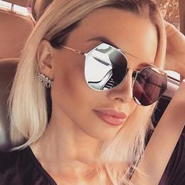 189025d25124b Atacado-único luxo rodada óculos de sol mulheres retro espelho rosa óculos  de sol para homens dirigindo 2017 marca feminina óculos de sol óculos oculos