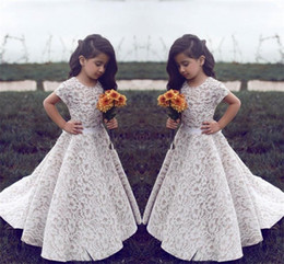 Wholesale Red Wedding Dresses For Girls - Lace Flower Girl Dresses For Wedding Vintage Jewel Short Sleeves A Line Girls Pageant Dress Sweep Train Kids Birthday Prom Dress Formal Wear
