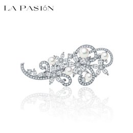 Wholesale Bohemian Style Clothing For Women - LA PASION New Design Korea Style Trendy Fashion Clothes Accessories Simple Delicate Flower Pearl Brooches Weeding Brooch For Women