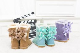 Wholesale Warm Tall Winter Boots - new Womens Classic tall bowknot boots MNS style snow boots Winter boots Warm With box certificate dust bag dorp shipping boots glitter2009