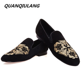 Wholesale Apartment Size - The new fashion embroidery leather black men hand-made wedding and party casual shoes men apartment sizes 39-47 free shipping