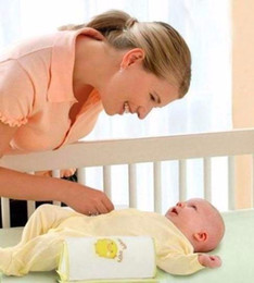 Almohada antivuelco segura para bebé online-Envío Gratis 1 Unidades de Algodón Cómodo Anti Roll Pillow Lovely Baby Toddler Safe Cartoon Sleep Head Posicionador Anti-rollover