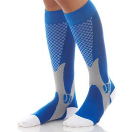 Wholesale Wicking Running Socks - Unisex Adult Protect Feet Breathable Wicking Compression Socks Running Basketball Football Sport Sock Hot Sale HW718