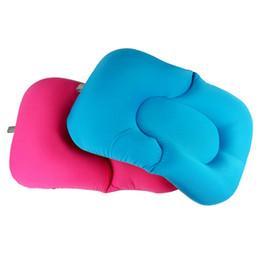 Almohada de asiento infantil online-Almohada de almohada de la bañera de té de bebé Almohadilla de aire de asiento flotante suave Asiento de la almohada de baño de bebé recién nacido no deslizante Accesorios de baño