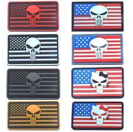 Pvc militari patch online-3.15 pollici Punisher Patch con bastone Skull 3D Gomma PVC Patch Airsoftsports Tattico Militare Vestiti Zaino Badge Rosso Bianco Neve VP-17