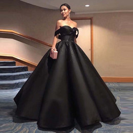 maxi arabo Sconti Vestido Long Black Maxi Abito da sera con paillettes in rilievo Puffy Ball Gowns Sweetheart Spaghetti Strap 2017 Elegante Backless Arabo