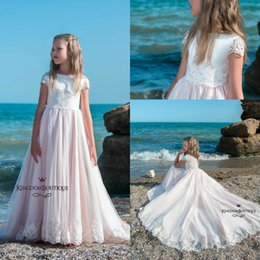 Wholesale Tops For Girls Model - Lovely Light Pink A Line Princess Flower Girls Dresses 2018 Off White Lace Top Short Sleeves Lace Appliques Kids Formal Wear For Birthday