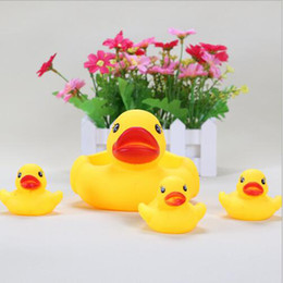 Wholesale Toy Animal Racing - Mother Duck Cute Baby Girl Boy Bath Bathing Classic Toys Rubber Race Squeaky Ducks Set Yellow Sale