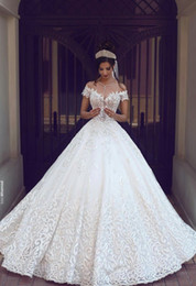 Wholesale Sexy White Short Wedding Dress - 2017 New Vintage Lace Wedding Dresses Sexy Off the Shoulder Short Sleeves Applique Sweep Train A Line Wedding Bridal Gowns Custom Made