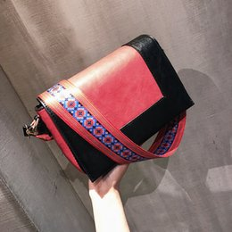 Wholesale Brown Square Envelopes - 2017 new retro hit color wide shoulder strap small square bag Messenger bag simple shoulder bags