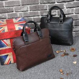 Wholesale Genuine Leather Handbags Korea - Fashion Men Handbag Korea Crazy Horse Leather Vintage Briefcase Men Totes Single Shoulder Bag Laptop Packs Cross Body Male Bag Shop