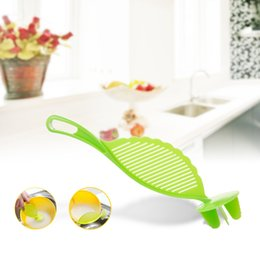 Wholesale kitchen sieve strainer - Rice Washer Cleaning Beans Sieve Washing Machine Multi Function Strainer Practical Not Hurt Hand Good Kitchen Helper 1tx F R