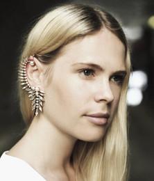 Wholesale Luxury Ear Cuffs - Luxury Punk Gold Imitation Pearl Ear Clip Earrings Ear Cuff Fine Jewelry Earhook Temperament Jewelry For Women