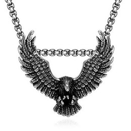 Wholesale Cheap Gold Pendants For Men - 2016 Hot models in Europe and America Retro classic domineering Eagle models pendant necklace for men handsome cool black cheap necklace