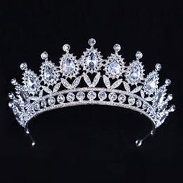 Luxus Silber Kristalle Hochzeit Kronen Perlen Bridal Tiaras Strass Kopf Stück Stirnband Günstige Haarschmuck Festzug Krone von Fabrikanten