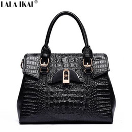 Wholesale Cattle Brands - Wholesale-Designer Handbag Genuine Leather Bag Famous Brand Bag Messenger Bag Woman Crocodile Pattern Cattle Split Leather Tote BWC0717