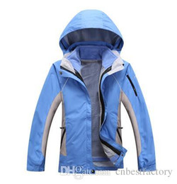 Wholesale Womens Waterproof Jacket Fashion - 2016 New Outdoor SoftShell Winter Womens Jackets Fashion Waterproof Windproof Breathable Hoodies Fleece Warm Ski Mountaineering Coats Black
