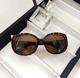 Wholesale Ladies Leg Sunglasses - New fashion lady sunglasses large square frame hot lady popular design crystal sequins color legs top quality uv protection eyewear