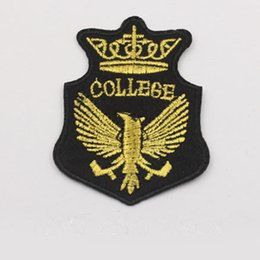Wholesale Iron Patches Crowns - Crown national Coat of Arms of Poland emblem eagle Gold Badge Iron on Embroidered patch Gift shirt bag trousers coat Vest Individuality