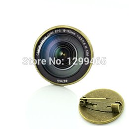 Wholesale Cabochon Brooch - Wholesale- Photography camera lens brooches DSLR Lenses Art Picture Glass Cabochon Dome badge Popular unisex Luxury Pins T371