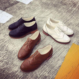 Wholesale Vintage Lace Cut Out Oxfords - Wholesale- British Style Preppy Women Flats Shoes Bullock Carved Oxford Female Lace Up Students Vintage Sewing Black Brown White Cut Out