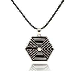 Wholesale Diamond Star Pendant Necklace - 2016 new Japanese and Korean style star with hexagon diamond-shaped alloy pendant necklace popular jewelry alloy new