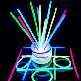Multi Color Hot Glow Stick Pulsera Collares Party Flashing Light Stick Novedad Juguete Concierto Flashing Light Stick Novedad Juguete KKA2305 desde fabricantes