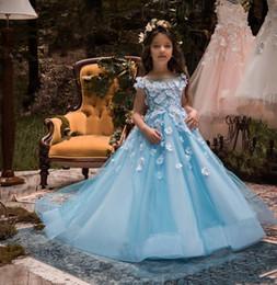Vestido de noiva applique gelo on-line-Gelo Azul Princesa Meninas Pageant Vestidos Sheer Neck Cap Mangas 3D Apliques de Tule Até O Chão Crianças Vestidos de Casamento Vestidos de Meninas de Flor