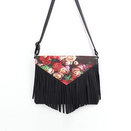 Wholesale Messenger Bag Minimalist - New Style Retro Minimalist Crossbody Bag Fashion Small Women Shoulder Bag Floral Envelope Bag Tassel Women Messenger Bag