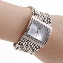 Wholesale Cheap Crystal Buckles - Fashion High Quality Women Rhinestone Watches Gold With Crystal Alloy Quartz Watch Adjustable Wristwatch Cheap watch men gold