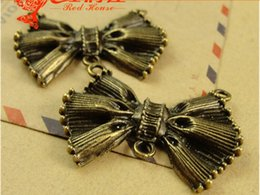 Wholesale Vintage Necklace Wholesale Manufacturer - A4046 27*37MM Antique Manufacturers selling Vintage Butterfly vintage silver tone bow knot charms Necklace Pendant Chain Link sweater