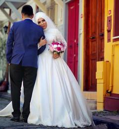 Canada Plus la taille musulmane col haut manches longues robes de mariée en dentelle appliques Dubaï Arabie saoudite 2017 jardin pas cher Robe De soirée robes de mariée cheap collar wedding dress plus size Offre