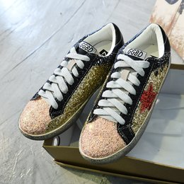 Wholesale Ladies Sequin Shoes - Fight Color Sequins Small Dirty Shoes Women Skate Board Shoes Valentine Walking Shoes Flat Sneakers Lady Trainers Leather Sport Shoe Zapatos