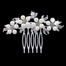 Wholesale Head Comb Jewelry - Charm Flower Rhinestone Hair comb Flower Head Piece Pearl Wedding Hair Comb Clip Crystal Bridal Hairpin Jewelry Hair Accessory
