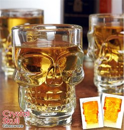 Wholesale Home Wares - 500ml Crystal Skull Head Glass cups Beer Cup Drinking Ware Handle for Home Bar Party Creative Halloween 4020