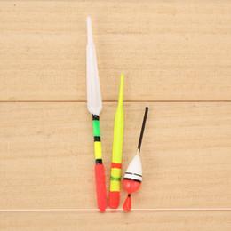 2019 8cm señuelos Al por mayor- 8cm 9.5cm Señuelos de pesca Accesorios de pesca 15Pcs Boya vertical flotadores de pesca de mar surtido de tamaño de pesca con accesorios Cauchos 8cm señuelos baratos