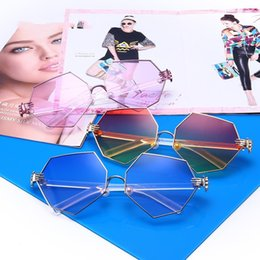 Wholesale Cat Eyes Film - High quality new European and American pearl nose pad flat mirror, ocean film sunglasses, fashion sunglasses