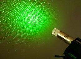 Wholesale High Power Laser Pointer China - china AAA NEW green laser pointers 532nm high power focusable can burn match,burn cigarettes,pop balloon,laser 303