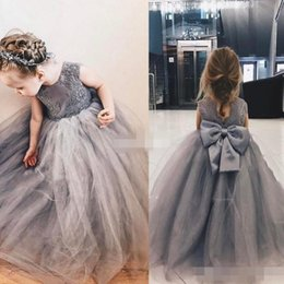 Wholesale Grey Bow Dress - Grey Lace Ball Gown Flower Girl Dresses Appliques Girls Pageant Gowns Vintage Communion Dress Big Bow Back Custom Made Puffy Tulle 2017