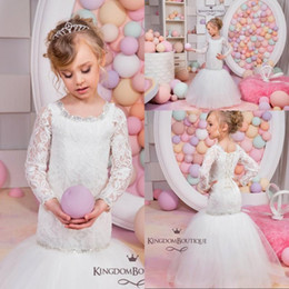 Wholesale Lacing Ribbon For Wedding Dress - 2016 Vintage Lace Cute Mermaid Flower Girls Dresses for Weddings Crew Neck Long Sleeves Wedding Party Pageant Dresses for Girls