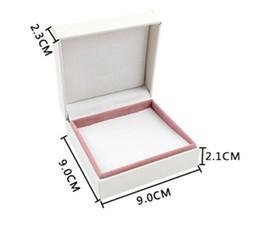 2019 anel de fita vermelha atacado 2016 NOVA marca de jóias caixa branca pulseira caixa charme caixa de colar 8 pcs 9 * 9 * 4 cm caixa de alta qualidade com logotipo atacado bom presente para as mulheres