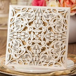 Wholesale new wedding invitations - New Arrival Laser Cut Wedding Invitation Cards Hollow Lace Flora Flower Party Invite Friend Cards with Envelopes and Seals