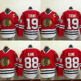 Patrick kane maillot pas cher en Ligne-Jeunes enfants Chicago Blackhawks Jersey 19 Jonathan Toews 88 Patrick Kane 100% brodé broderie Logos Maillots de Hockey Cheap Red
