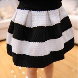 c70af62776 2019 faldas de rayas blancas negras 2016 nuevas muchachas del bebé blanco y  negro a rayas