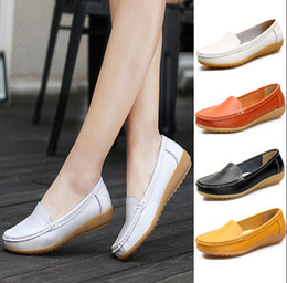 Wholesale White Nurses Shoes - Casual shoe New spring summer women's singles shoes wild flat shoes casual anti-skid Peas shoe doctors nurses shoes soft soles mother SHOE