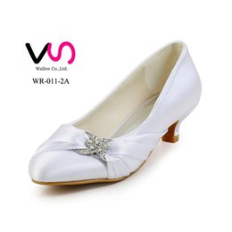 Wholesale Hot W Heels - 6cm hot Low heel nice ivory color pump closed shoe toe women bridal shoes made in China from size 35-42 for wholesale price