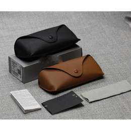 Wholesale cheap black sunglasses - Wholesale Black Sun Glasses case Retro Brown Leather Sunglasses box Discount Cheap Fashion Eye Glasses Pouch without cleaning cloth China